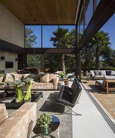 Casa Fernanda Marques - Decoração, piscina, espelho d'água, entrada da casa, escadas...