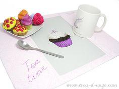 Cuisine & Gourmandises : Cupcake Violet Grille de point de croix - Copyright Créa d'Ange®