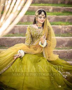 Pakistani Party Wear Dresses, Pakistani Wedding Outfits, Bridal Outfits, Pakistani Bridal, Pakistani Mehndi, Shadi Dresses, Dresses Dresses, Summer Dresses, Mehendi