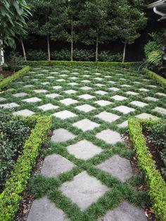 Pavers and Mondo Grass - Steingarten - Garden Floor Front Yard Landscaping, Backyard Landscaping, Landscaping Ideas, Pavers Ideas, Backyard Ideas, Stone Landscaping, Big Backyard, Landscaping Software, Stone Backyard