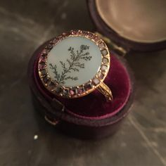 Georgian 18 carat gold flat cut garnet and dendritic agate ring, with scrolled engraved shoulders and inscription to reverse - for sale - DM for details #ringsofinstagram #ringstagram #showmeyourrings #ringoftheday #lovegold #garnetandgold #almandinegarnet #dendriticagate #showmeyourdreamring #georgianjewelry