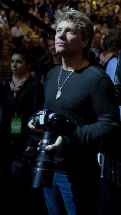 Bon Jovi taking pictures