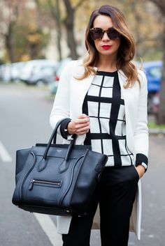 Cashmere in Style : Windowpane Sweater
