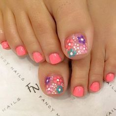 Looking for new and creative toe nail designs? Let your pedi always look perfect. We have a collection of wonderful designs for your toe nails that will be appropriate for any occasion. Be ready to explore the beauty and endless creativity of nail art! Pretty Toe Nails, Cute Toe Nails, Diy Nails, Pretty Toes, Gel Toe Nails, Coral Toe Nails, Toe Nail Polish, Shellac Toes, Flower Toe Nails