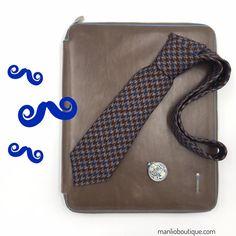 GIERRE MILANO cravatta €67,70 -30%= €47,50 PIQUADRO portablocco €225,00 -30%= €157,50 manlioboutique.com/it/sezione_prodotti/SALDI/499 #menaccessories #style #ties #leather