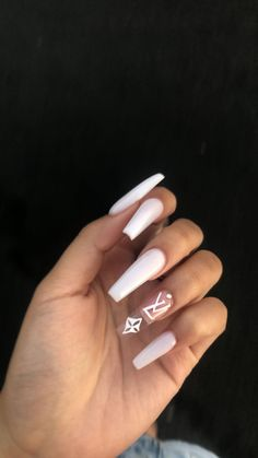 In seek out some nail designs and ideas for your nails? Listed here is our set of must-try coffin acrylic nails for fashionable women. White Acrylic Nails, Best Acrylic Nails, Summer Acrylic Nails, Long White Nails, Aycrlic Nails, Swag Nails, Coffin Nails, Grunge Nails, Matte Nails