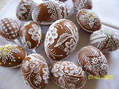 velikonoce, perníky Page 11 No Egg Cookies, Easter Cookies, Christmas Cookies, Gingerbread Decorations, Gingerbread Cookies, Easter Eggs, Easter Tree, Easter Biscuits, Chocolates