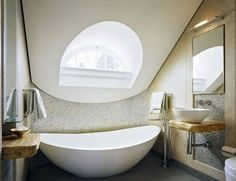 Impressive Modern Bathtub In Oval Design : Some The Best Samples Of Minimalist  Modern Tubs For
