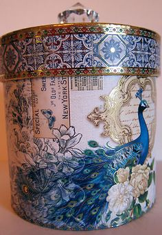 I simply love peacocks! Peacock Decor, Peacock Bird, Peacock Design, Diy Crafts Vintage, Diy And Crafts, Peacock Pictures, Decoupage Box, Elegant Home Decor, Hat Boxes