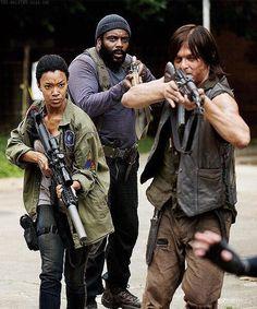 Tyreese (Chad L. Coleman), Sasha (Sonequa Martin-Green), Daryl (Norman Reedus)