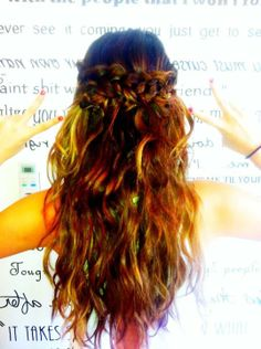 Selena Gomez Hair Crown Braid with loose curls. Super gorgeus!