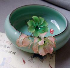 The pink mini water lily/Lotus +lotus leaf hair stick /hair comb/ Bridal headpieces/ wedding / Kanzashi/hair clip/red/hair fork/hair slide