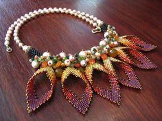 Diese Halskette gemacht :) die Blume Blütenblatt von Glasperlen Form Japan mit der Technik des Steins auf den die häkeln Perlen Peyote und mix Ich