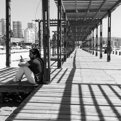 Fugado. - #bnw #blackandwhite #blancoynegro  #monochrome #beachlife #street #streetphotography #travel #Chile #Viña