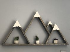 Handmade mountain shelves for our mountain home 🏔 ❤️ – english Mountain Shelf, Mountain Mural, Mountain Sunset, Mountain Lion, Mountain Landscape, Wood Shop Projects, Diy Projects, Diy Wall Art, Wood Wall Art