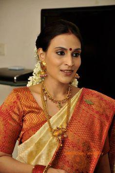 aishwarya dhanush in gold jewellery