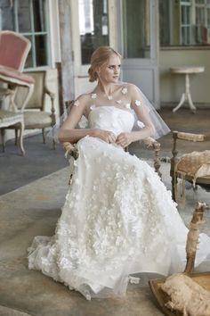 Sareh Nouri Fall 2020 Bridal Collection - The Wedding Notebook magazine Wedding Cape, Wedding Shawl, Wedding Gowns, Vogue Paris, Bridal Collection, Dress Collection, Bridal Dresses, Flower Girl Dresses, French Romance