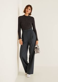 Discover the latest trends in women's trousers. Dressy, skinny, palazzo and baggy trousers, chinos and leggings. Trousers Women Outfit, Trouser Outfits, Pants For Women, Clothes For Women, Formal Trousers Women, Cute Dress Outfits, Outfit Zusammenstellen, Cute Dresses, Mango Trousers