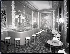 The Netherland Plaza cocktail bar as it appeared on July 8, 1942. The art deco styling found throughout the rest of the hotel is apparent.