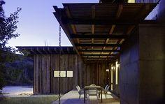 Modern industrial barn in Park City, UT - see more photos at http://www.designhunter.net  #architecture #interior design