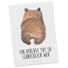 Postkarte Bär Verlust aus Karton 300 Gramm  weiß - Das Original von Mr. & Mrs. Panda.  Diese wunderschöne Postkarte aus edlem und hochwertigem 300 Gramm Papier wurde matt glänzend bedruckt und wirkt dadurch sehr edel. Natürlich ist sie auch als Geschenkkarte oder Einladungskarte problemlos zu verwenden.    Über unser Motiv Bär Verlust  Der Verlust Bär ist das perfekte Geschenk um einen wichtigen Menschen in einem schweren Moment zu begleiten, liebevoll entworfen von Mr. & Mrs. Panda…