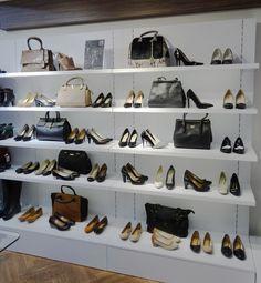 vm for McARTUR #mhshowroom Boutique Interior, Shoe Boutique, Shop Interior Design, Shoe Store Design, Retail Store Design, Shoe Shop, Handbag Display, Shoe Display, Mobile Shop Design