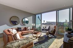 Modern Family star Ty Burrell is listing his Culver City penthouse. The $1.398 million apartment comes with a sleek modern kitchen, shared yoga studio, and stunning views of the Hollywood Hills.
