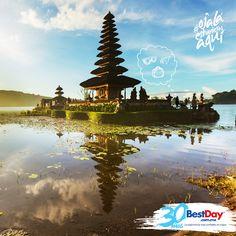 Bali es una isla de Indonesia conocida por sus paradisíacas playas, sus templos, cultura y por la cordialidad de su gente. Además, la danza, escultura, orfebrería, papelería y su música, hacen que los turistas quieran extender sus vacaciones y perderse en este mundo de relajamiento y belleza natural increíble. Etiqueta a esa persona con quien quisieras pasar unos días inolvidables en Bali, e incluye el #OjalaEstuvierasAqui