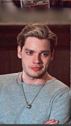 Jace handsome lil puppyYou can find Jace wayland and more on our website. Dominic Sherwood Shadowhunters, Shadowhunters Series, Shadowhunters The Mortal Instruments, Cassandra Clare, Shadow Hunters Cast, Clary Et Jace, Constantin Film, Jace Lightwood, Fangirl