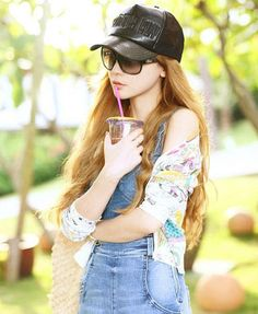 Do you like the cap? Fashion Belts, Fashion Outfits, Womens Fashion, Black Baseball Cap, Baseball Hats, Tomboy Fashion, Tomboy Style, Dressed To The Nines, Head Accessories