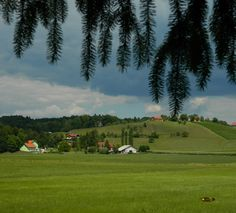 Somewhere in Slovenia, Nikon Coolpix L310, 12.6mm, 1/200s, ISO80, f/11.4, -1.0ev, panorama mode: segment 2, HDR photography, 201707161451