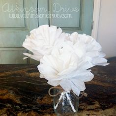 Coffee Filter Flowers , cute for a wedding shower breakfast centerpiece Coffee Filter Roses, Coffee Filters, Coffee Themed Party, Coffee Bridal Shower, Simple Centerpieces, Shower Centerpieces, Make Your Own Coffee, Bridal Shower Decorations, Paper Decorations