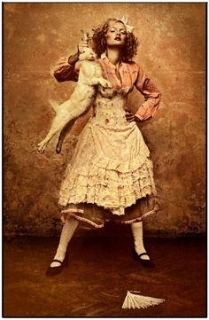 Alice in WOnderland BY:Katarzyna Widmanska