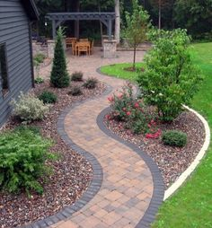 Getting a backyard landscape design will solely depend on the extent of your budget and your tastes too. In backyard landscape design, one must put into consideration the use they will put it into. Diy Garden, Garden Paths, Garden Ideas, Front Garden Path, Walkway Garden, Brick Garden Edging, Yard Edging, Gravel Garden, Garden Borders