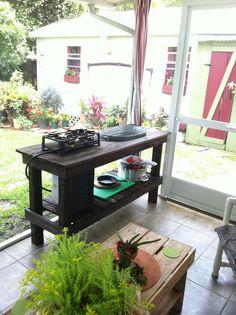 Pallet Patio Kitchen #Kitchen, #Pallets, #Patio
