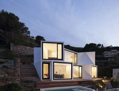 Sunflower House  / Cadaval & Solà-Morales