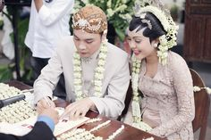Throwback: Pernikahan Bertema Pesta Rakyat Ala Ria dan Fedi - fedie-ria-by-alodita23