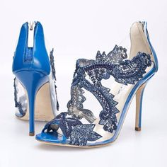 These shoes are hot off the Oscar de la Renta Spring 2015 runway.