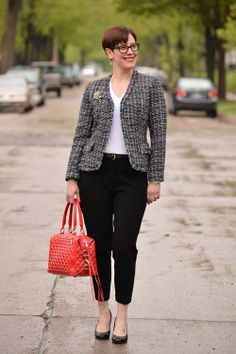Need - colorful or patterned/tweed blazer to go with my black skinnies. Thrift Store Outfits, Thrift Clothes, Pretty Outfits, Fall Outfits, Cute Outfits, Ponte Pants, Career Wear, Pants Outfit, Black Skinnies