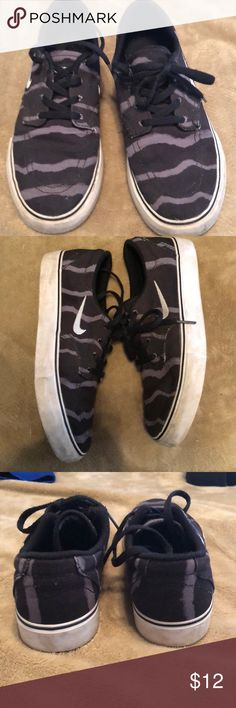 Nike boys black camo sneakers 4.5 Good condition Nike lace up boys sneakers back camp size youth 4.5 nike Shoes Sneakers
