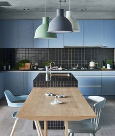 HAO design's blue apartment in taiwan balances family and social life #architettura #design #arredo