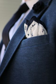 Great texture - nice pocket square.
