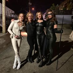 """This is a place to view the hot ladies starring in the hit CW """"Flarrow"""" TV show universe: Arrow, The Flash, Supergirl and Legends of. Dc Comics, Arrow Black Canary, Black Siren Arrow, Arrow Tv Shows, Arrow Cast, Cw Dc, Team Arrow, Emily Bett Rickards, Supergirl And Flash"""