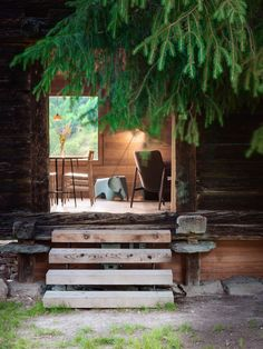 Modern Rustic Architecture - Sarreyer Cabin By Rapin Saiz Architecture Design, Studios Architecture, Cabin Design, Rustic Design, Timber Panelling, Diy Rustic Decor, Wooden Stairs, Modern Rustic, Decor Styles