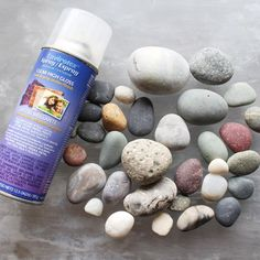 Envirotex clear high gloss resin spray with smooth dry rocks Beach Rocks Crafts, Rock Crafts, Fun Crafts, Diy Resin Crafts, Crafts To Sell, Cardboard Crafts, Dremel, How To Polish Rocks, Resin Spray
