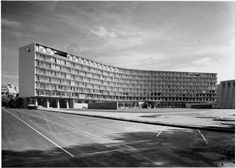 UNESCO Headquarters, Paris France (1952-1958) | Marcel Breuer/ Pier Luigi Nervi/ Bernard Zehrfuss Marcel Breuer, Pier Luigi Nervi, Walter Gropius, Paris France, Postmodernism, Architecture Design, Louvre, Exterior, Photography