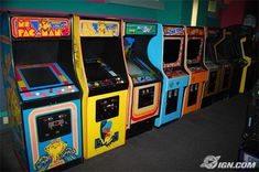 Oh the memories of the beloved old school arcades. 1990s Kids, Handheld Video Games, Strange Music, Retro Arcade, Games Today, Funny Dating Quotes, Arcade Games, Monet, Childhood Memories