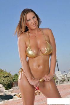 bikini Devon lee