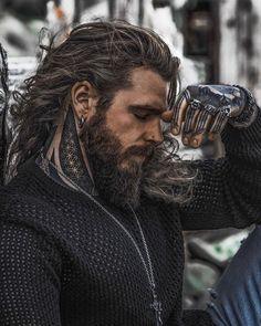 beard The Creekman 🐻🐻🐻 Hair And Beard Styles, Long Hair Styles, Look Man, Hommes Sexy, Beard Tattoo, Beard Gang, Good Looking Men, Haircuts For Men, Gorgeous Men