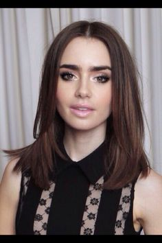 Lilly Collins makeup